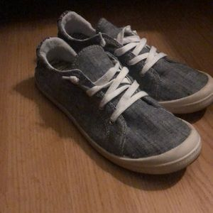 Cute casual shoes barely worn